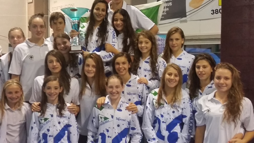 Amici Nuoto Riva 1a squadra classificata